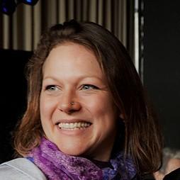 Dr. Sonja Peteranderl